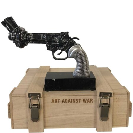 Revolver Black Amex - Art Against War